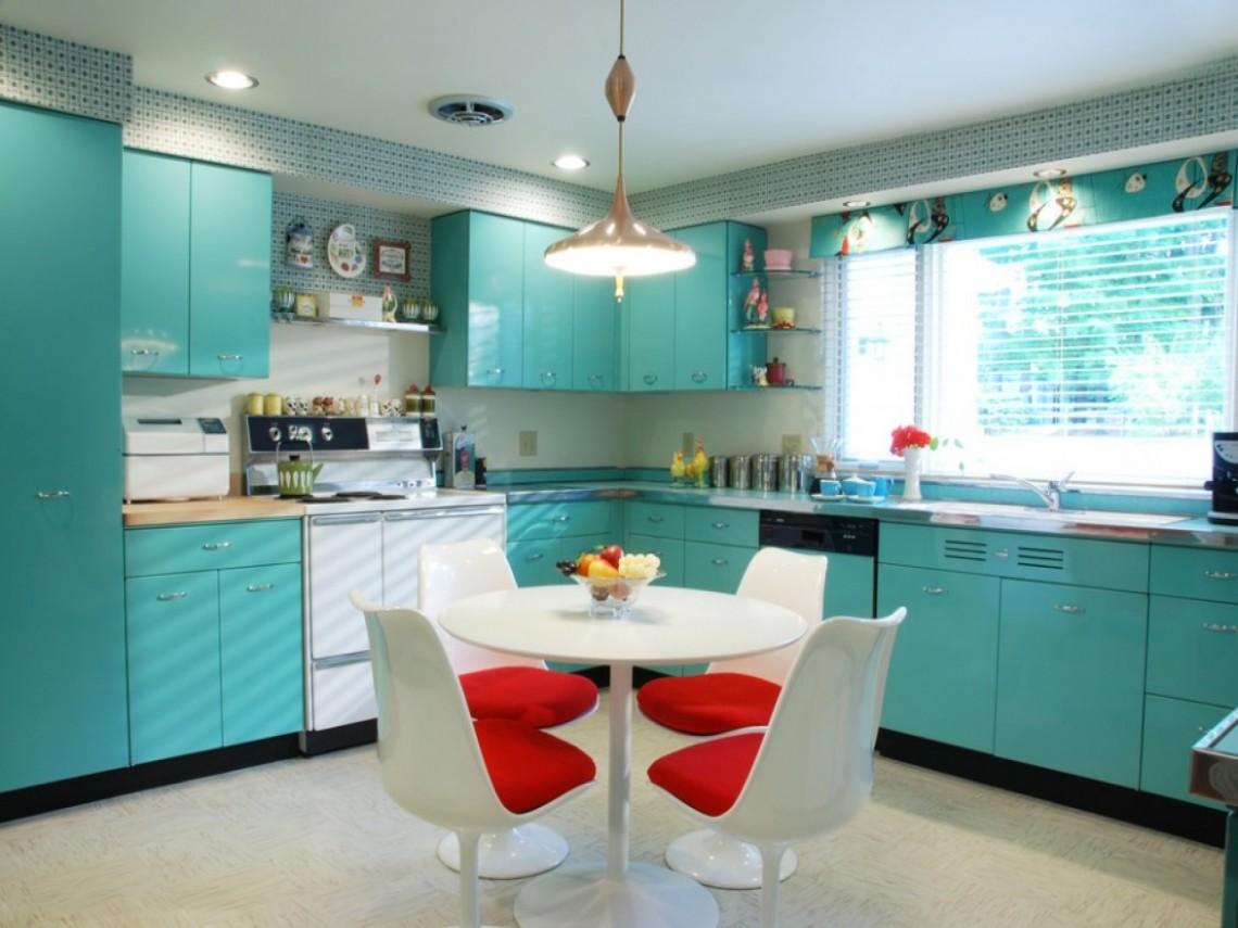 Decoração vintage cozinha colorida